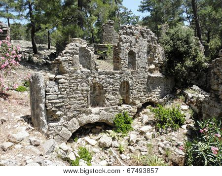 Remains of a basilica or temple in Seleukeia Lybre