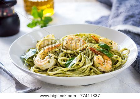 Spaghetti With Prawn In Pesto Sauce