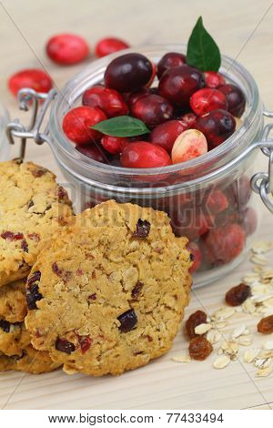 Crunchy cookies with cranberries