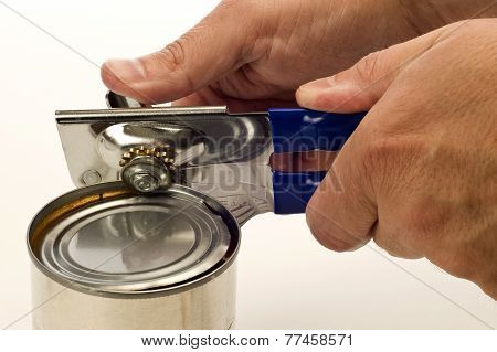 Using A Manual Can Opener