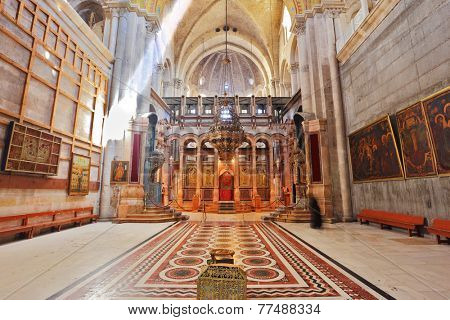 JERUSALEM, ISRAEL - MARCH 9, 2012: Church of the Holy Sepulcher. The hall in front of the Edicule. In the center is a stone vase -