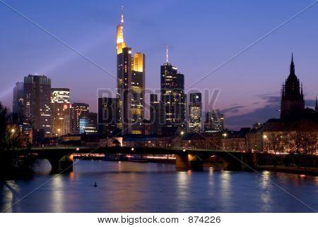 Horizonte de Frankfurt desde Río