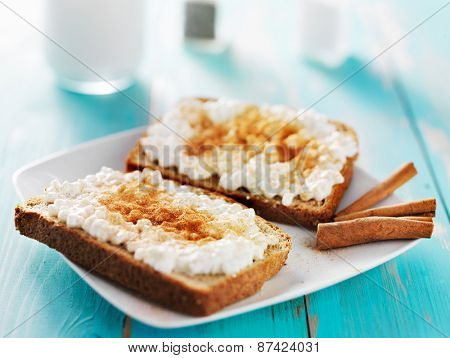 cinnamon and sugar toast with cottage cheese