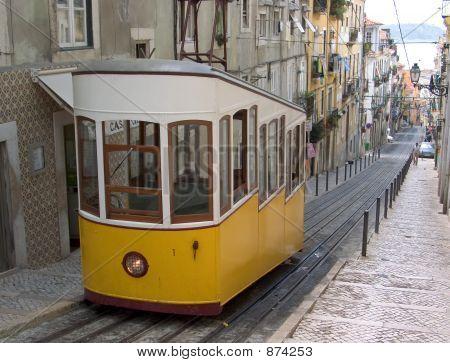 Lisbon Funicular2