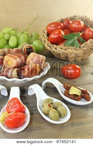 Stuffed Tapas With Fruits