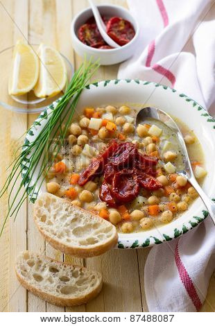 Chickpeas soup with sun dried tomatoes