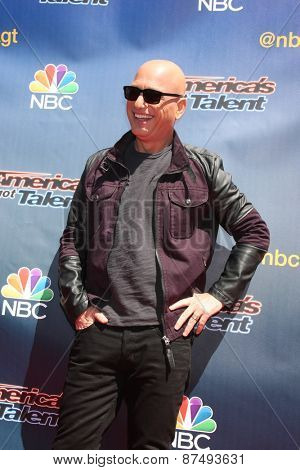 LOS ANGELES - FEB 8:  Howie Mandel at the America's Got Talent Photocall at the Dolby Theater on FEB 8, 2015 in Los Angeles, CA