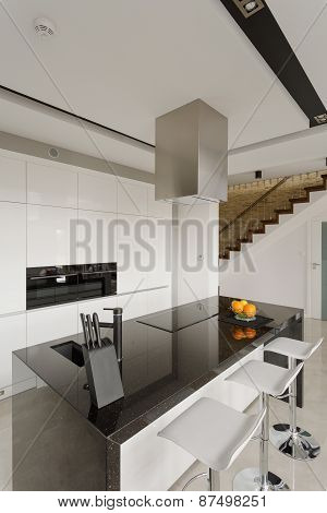 Granite Worktop In Modern Kitchen