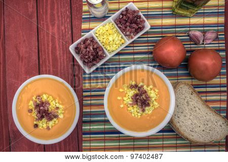 Salmorejo Horizontal Overhead Left Up