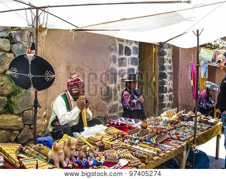People Visit The Famous Traditional Market In Raqch