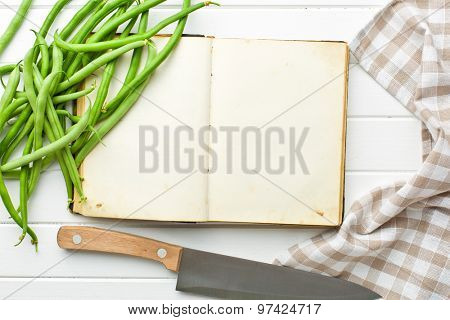 the blank recipe book and green beans