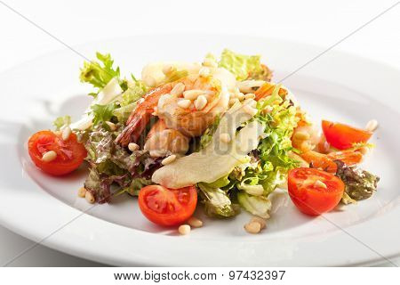 Salad with Shrimps, Pear and Pine Nuts
