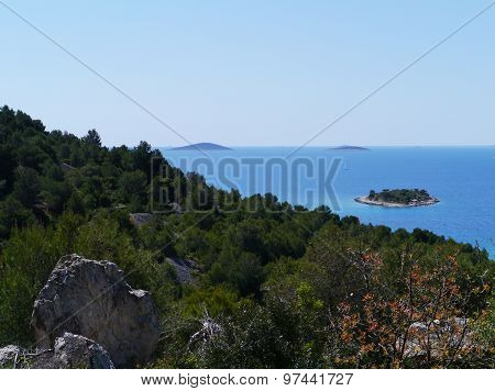 The isle Tuzbina seen from Murter