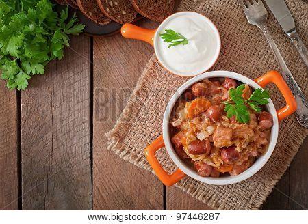 Polish bigos with smoked sausage and bacon