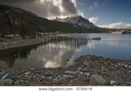 Landscape Scenry From Beautiful Yosemite National Park