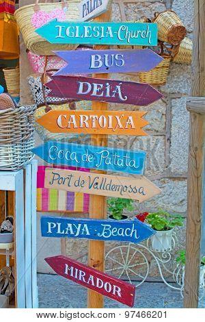 Valldemossa Local Attraction Signs
