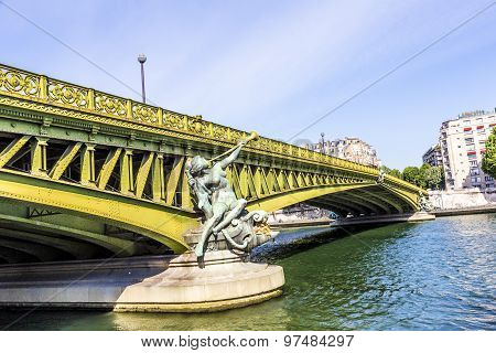Sculpture At Pont De Grenelle - Paris