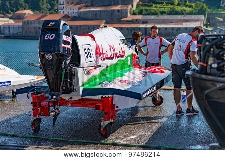 Team Abu Dhabi Boat Preparations