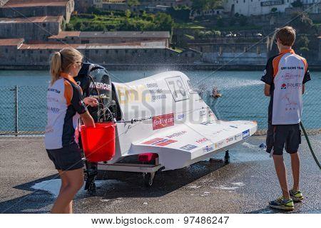 Team Emic Boat Preparations