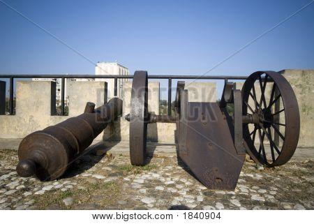 Santo Domingo Dominican Republic Cannons On Las Damas