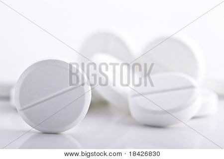 round pills with low DOF