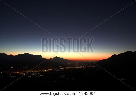 Puesta de sol sobre Franschhoek