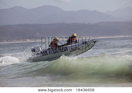 Extreme semi rigid boat race in ocean