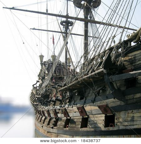 galleon, faithful reconstruction of the original fifteenth-century