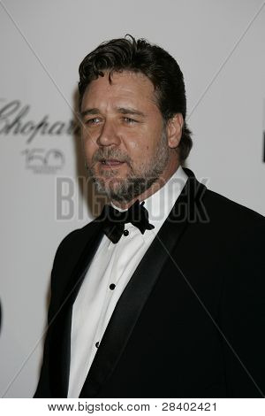 ANTIBES - MAY 20: Russell Crowe at the AMFAR Cinema Against Aids Gala at the Hotel Du Cap on  May 20, 2010 in Antibes, France