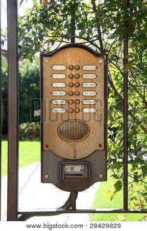 sistema de áudio com números seqüenciais e botões