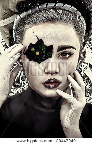 Placa de circuito que muestra a través de rostro agrietado y maltratado de niño de cyborg.  Ilustración/fotografía.