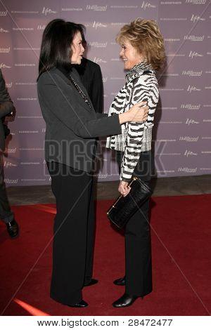 LOS ANGELES - DEC 7:  Sherry Lansing, Jane Fonda arrives at the