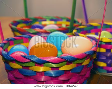 Easter Baskets Focus Front