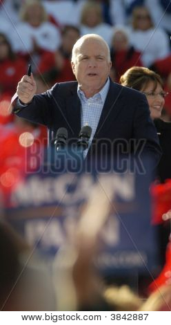 Sen John Mccain At Rally