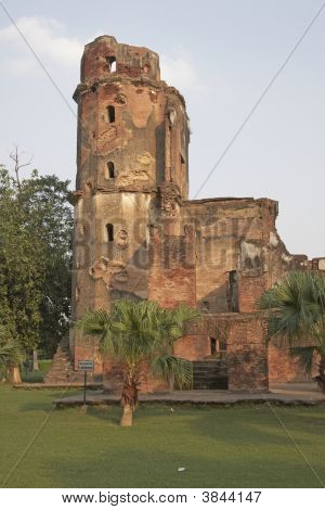Derelict British Residence In Lucknow, India