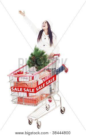 Linda mulher Shopping para venda de Natal isolada no branco