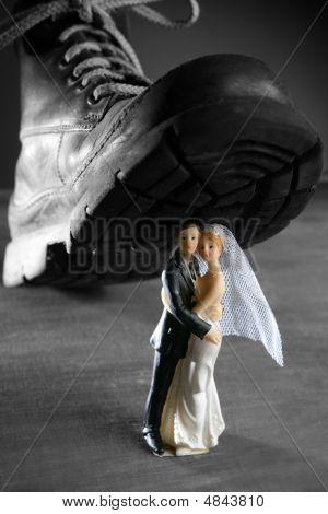 Tread A Marriage Couple Figurine
