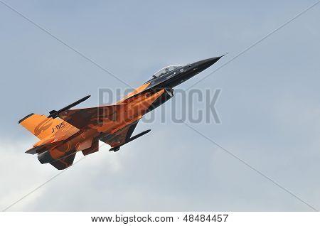 F-16 Demo Team.