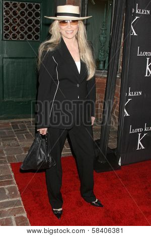 LOS ANGELES - NOVEMBER 14: Faye Dunaway at the opening party for the Lloyd Klein Flagship Store at Lloyd Klein Flagship Store on November 14, 2006 in Los Angeles, CA.