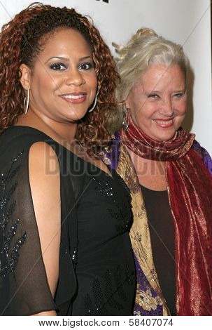 LOS ANGELES - NOVEMBER 11: Kim Coles and Sally Kirkland at the 1st Annual Read To Succeed Literary Gala in Renaissance Hollywood Hotel on November 11, 2006 in Hollywood, CA.