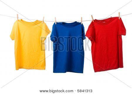 colorful t-Shirts auf weiß