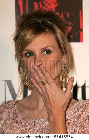 LOS ANGELES - DECEMBER 02: Bonnie Somerville at the