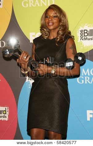 LAS VEGAS - DECEMBER 04: Mary J Blige in the press room at the 2006 Billboard Music Awards, MGM Grand Hotel December 04, 2006 in Las Vegas, NV
