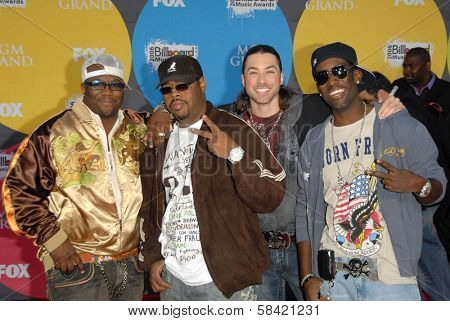 LAS VEGAS - DECEMBER 04: Boyz II Men and Ace Young arriving at the 2006 Billboard Music Awards, MGM Grand Hotel December 04, 2006 in Las Vegas, NV