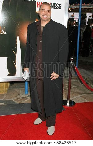 WESTWOOD, CA - DECEMBER 07: Sinbad at the premiere of