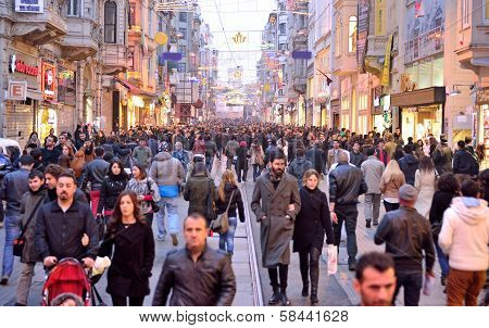 Of The Places Most Visited By Tourists, Istiklal Street, The Clock Is Getting Very Crowded.