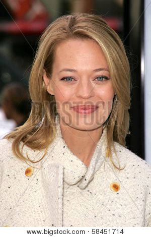 LOS ANGELES - NOVEMBER 12: Jeri Ryan at the world premiere of
