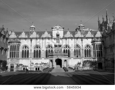 Universidade de Oxford.