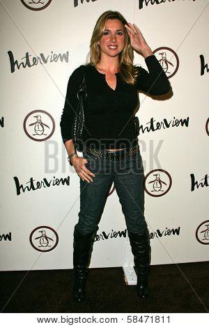 LOS ANGELES - NOVEMBER 02: Shana Hiatt at the Grand Opening of