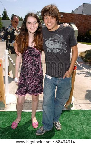 CULVER CITY - JULY 22: Vanessa Marano and Chris Kelly at the